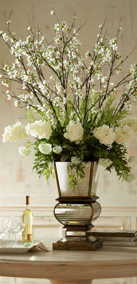 white flower table l 25 best ideas about flower arrangements on