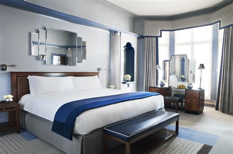 Opulent Definition Romantic Hotels In London Best Boutique And Luxury