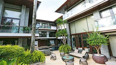 manny  jinkee pacquiaos tropical garden