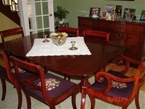 Duncan Phyfe Nightstand Mahogany Diningroom Table Amp Cherrywood Chairs Gentle