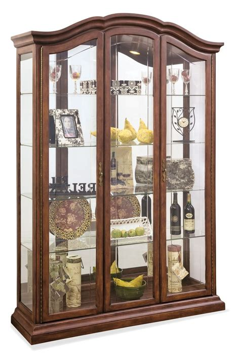 furniture curio cabinet 1000 ideas about curio cabinets on pulaski