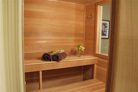 difference between sauna and steam room sauna vs steam room difference and comparison diffen