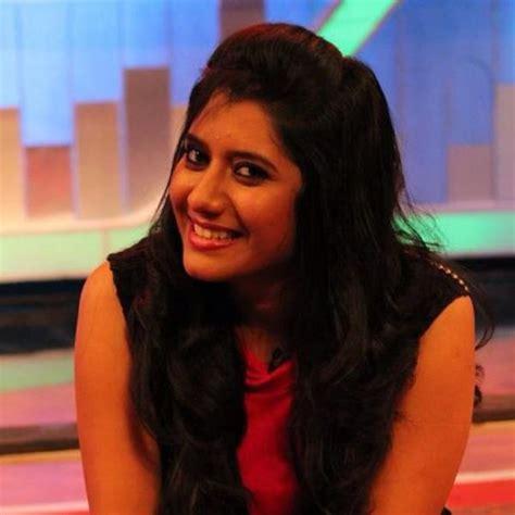 vijay tv priyanka vijay television anchor priyanka marriage photos