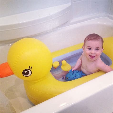 munchkin bathtub duck duck bathtub for babies 28 images 17 best images about
