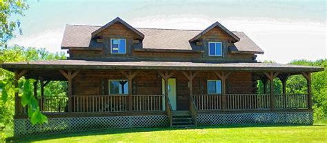 Iowa Cabin Rentals by Whitetail Ridge Iowa Cabin Rentals