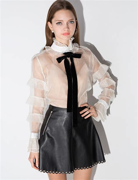 Blouse Wanita Clasic Black how to tie a bow tie blouse blouse with