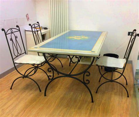 sedie ferro cheap tavolo in cemento decorato e sedie in ferro battuto