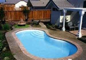 small kidney shaped pool small kidney shaped swimming pool designs for small