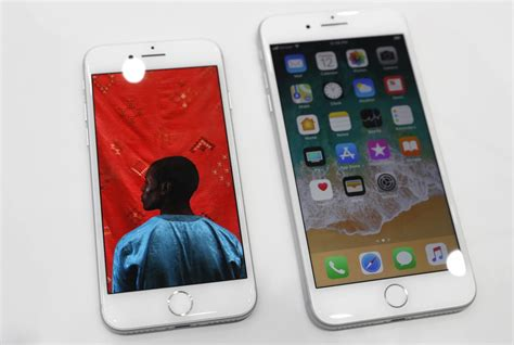 iphone 8 b apple admits to iphone 8 crackling earpiece issue says software update to fix the problem on
