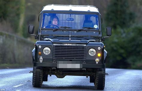 land rover queens queen s 4x4 land rover defender getting 163 80 000 makeover