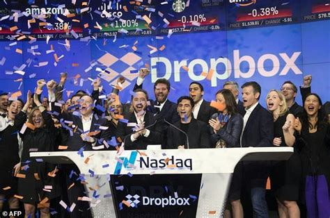 dropbox nyc cloud firm dropbox surges in wall street debut daily