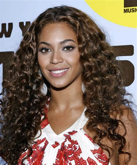 Beyonce Curly Hairstyles by Beyonce Knowles Curly Casual Hairstyle