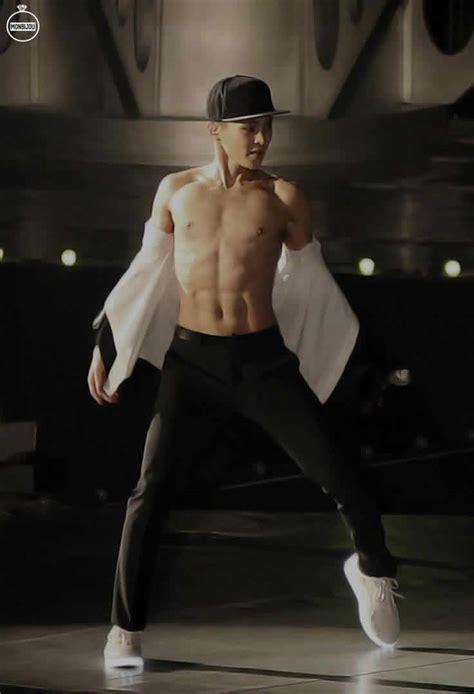 imagenes de coreanos sin camisa 10 hombres coreanos sin camisa y muy atractivos que
