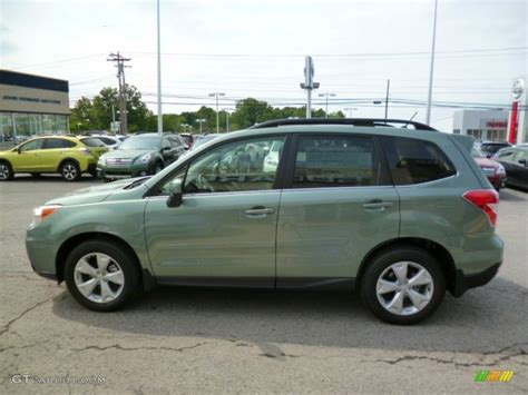 green subaru forester 2015 2015 green metallic subaru forester 2 5i limited