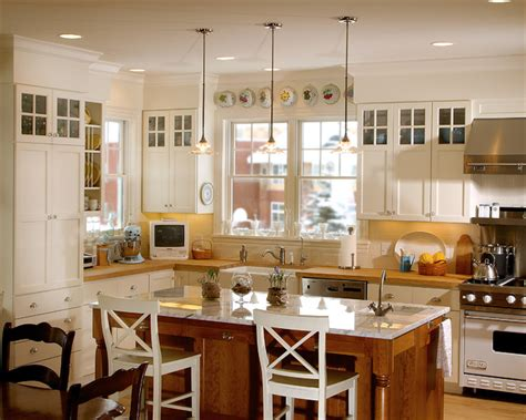 Country Kitchen   Classic Farmhouse   Traditional   Kitchen   Minneapolis   by Ron Brenner