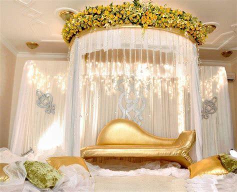 White Wedding Stage Decoration by 5 White Golden Wedding Stage Decoration Ideas Weddings