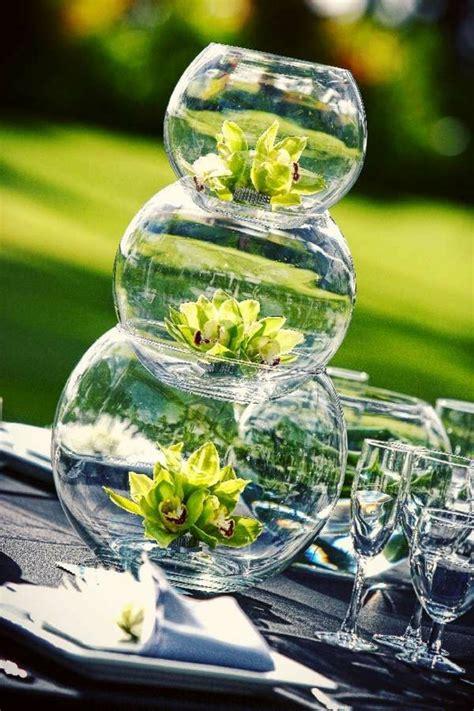 Exceptionnel Decorer Un Vase Transparent #3: 0-jolie-decoration-avec-vase-cyclindrique-verre-vase-boule-transparent-en-verre-comment-decorer-les-vases.jpg