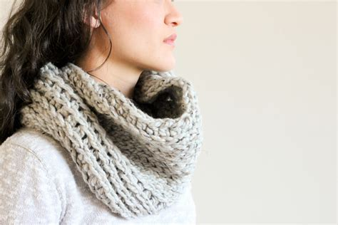 knitted cowl patterns knit look crochet cowl free pattern