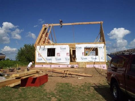 build a small home tips to learn how to build a mini house