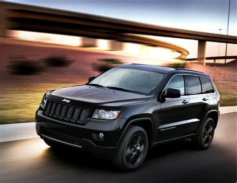 jeep grand cherokee altitude jeep gets high releases altitude edition grand cherokee