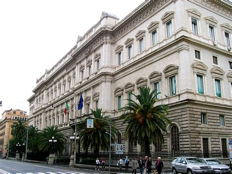 koch bank italy on the brink the story of the 2011 near collapse