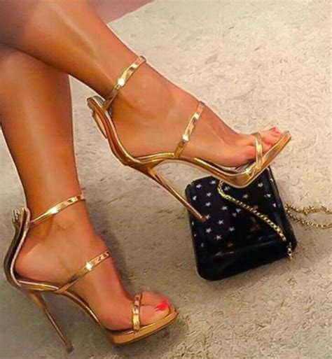 gold snowflakes pretty hands pretty feet pinterest pin by sezer yurtsever on schuh cloud com pinterest