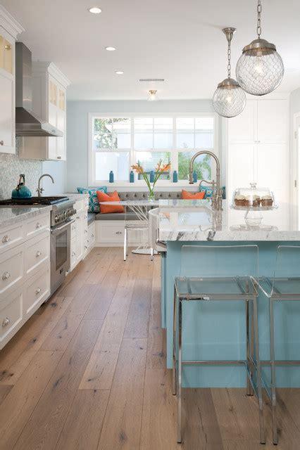 beach kitchen cabinets kitchen island and breakfast nook beach style kitchen