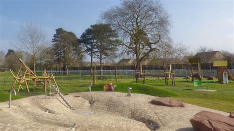 parks nearby playgrounds play areas and play parks near bicester freeparks co uk