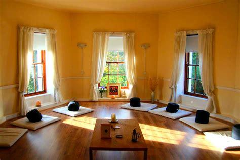 Hexagon Rooms Home - hexagon meditation room design with glass window wooden
