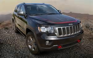 2013 jeep grand trailhawk black front 3 4 angle
