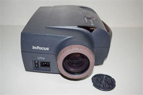 Lu Lcd Projector Infocus infocus lp725 lcd projector 276 l hours only ebay