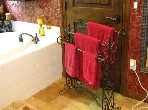 bathroom towel hanging ideas ideas for hanging bathroom towels decorating ideas
