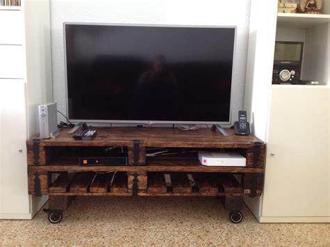 mueble un un mueble para la televisi 243 n hecho con palets i love palets