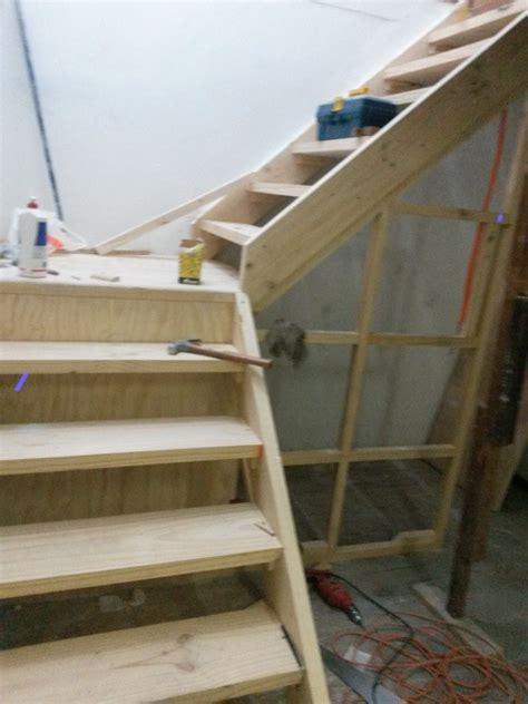 como hacer una escalera de canas fabricacion de escalera y caja escala ideas carpinteros