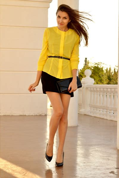 yellow personally designed blouses black schutz shoes