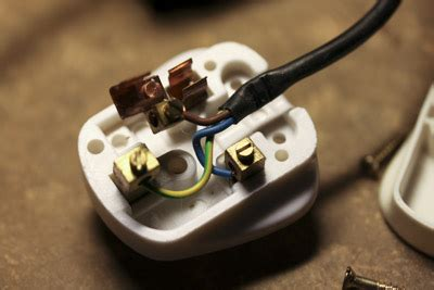replace capacitor psu grundy newbrain psu reparatur repair blown capacitor replace