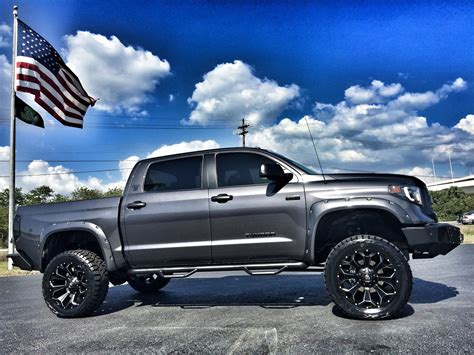 Toyota Tundra 2017 2017 Toyota Tundra Custom Lifted Leather Crewmax 4x4