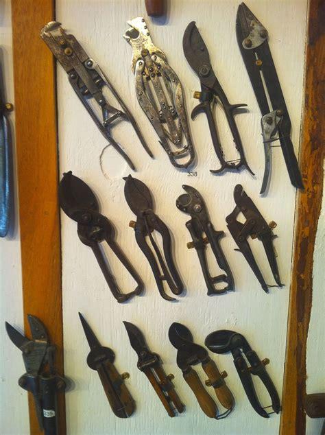 niwaki weird tools