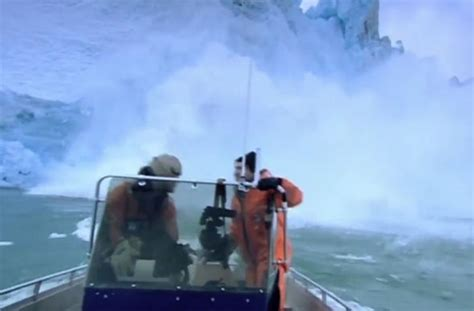 boat crash viral video viral video shows boat almost capsized after falling