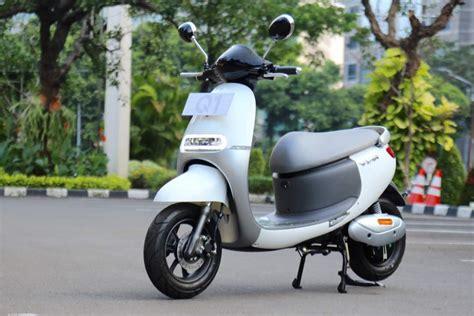 Baterai Viar Q1 skuter listrik viar q1 didukung 393 stasiun charging pln
