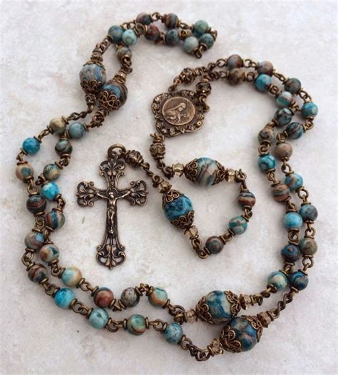 rosary bead prayers best 25 rosary ideas on rosaries