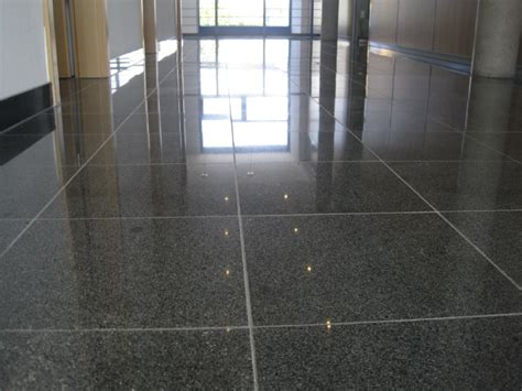 Granit Kratzer Polieren by Granit Granitb 246 Den Schleifen Polieren Restaurieren