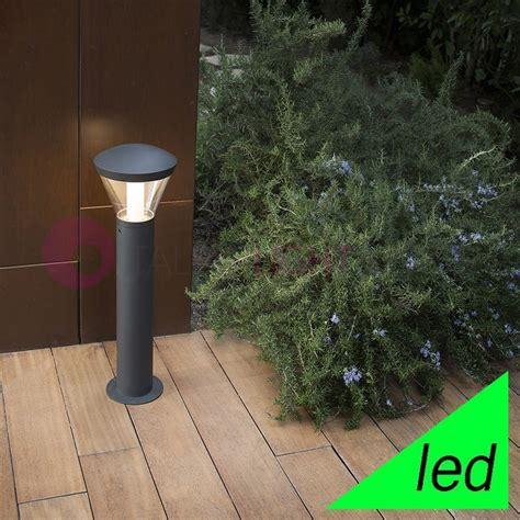 illuminazione da giardino a led shelby paletto lioncino a led ip65 illuminazione