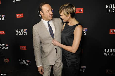 president obama wants no spoilers of house of cards