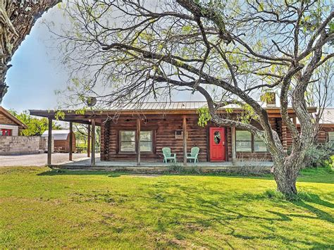 Cabins For Rent Near Houston Tx by 12 Stylish Rental Cabins In For Summer Vacation Beaumont Enterprise