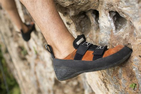 beginner rock climbing shoes beginner s guide to rock climbing everything you need to