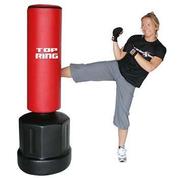 sacco da boxe con pedana sacco da boxe da terra scegli il migliore