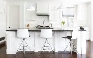 bar stools for white kitchen white traditional kitchen white modern bar stools home decorating trends homedit