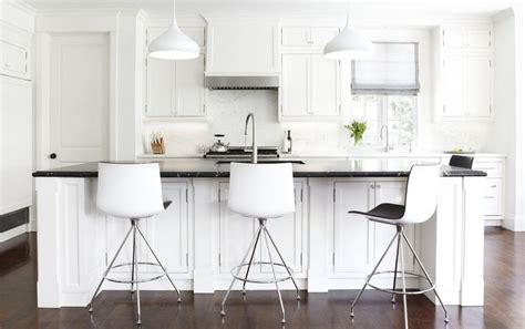 Kitchen Bar Stools White | black and white bar stools how to choose and use them