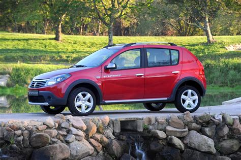 renault sandero stepway black in4ride renault sandero stepway greets mzansi